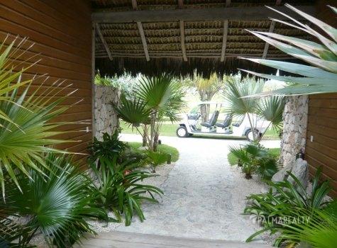 Бунгало в Доминикане на берегу моря в резиденции Калетон (Caleton) на элитном курорте Кап Кана (Cap Cana)