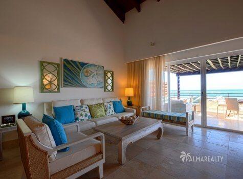 Продаются апартаменты с двумя спальнями и террасой на первой линии у моря в Сотогранде (Кап Кана, Доминиканская Республика)