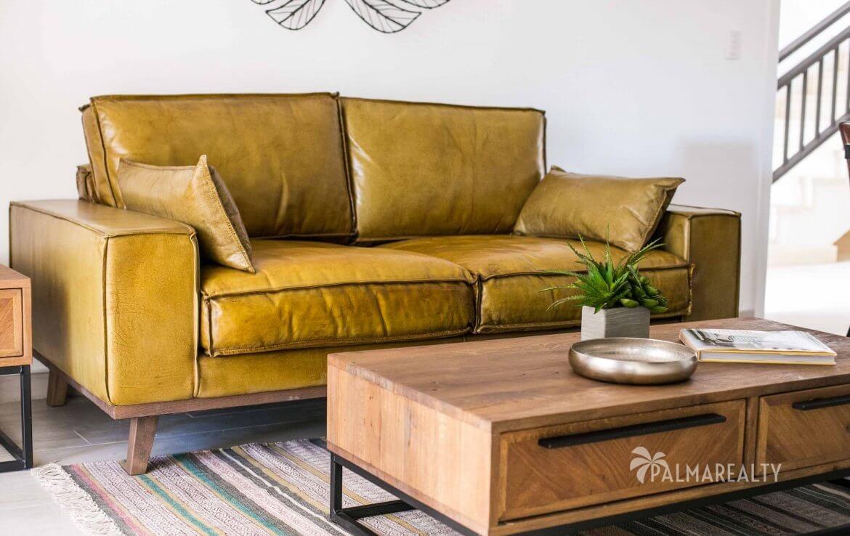 Мебель специально заказывается из Европы