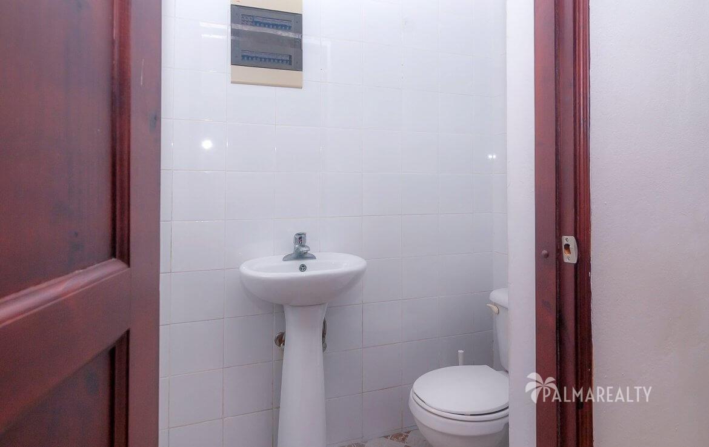 Туалет в гостиной