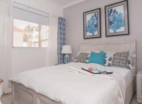 Спальня в однокомнатных апартаментах