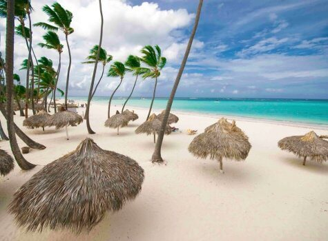Пляж в Los Corales