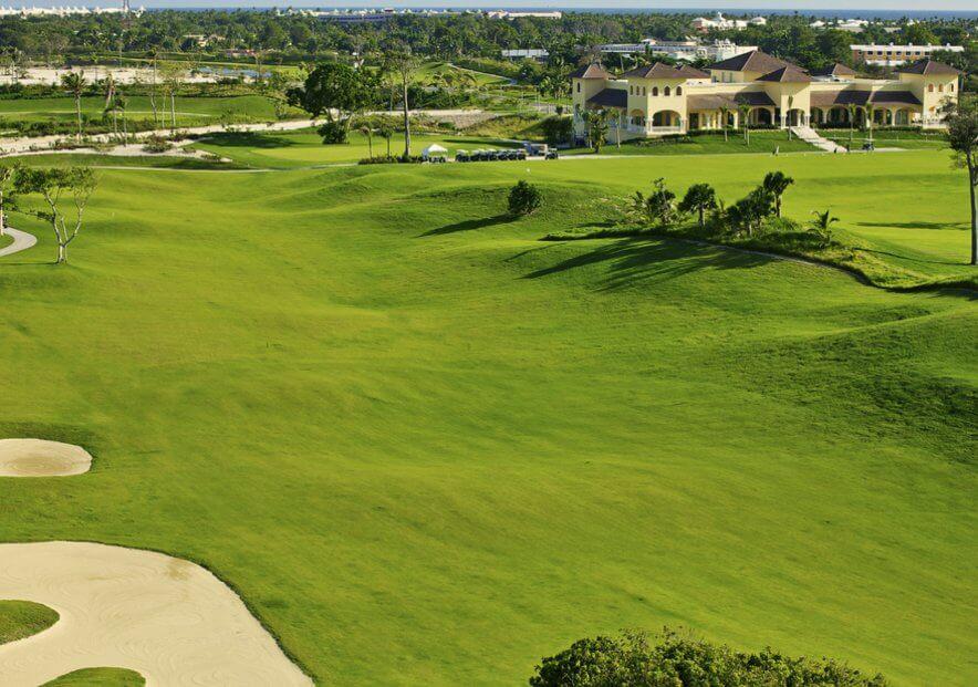 Участки у океана с видом на поле дя гольфа